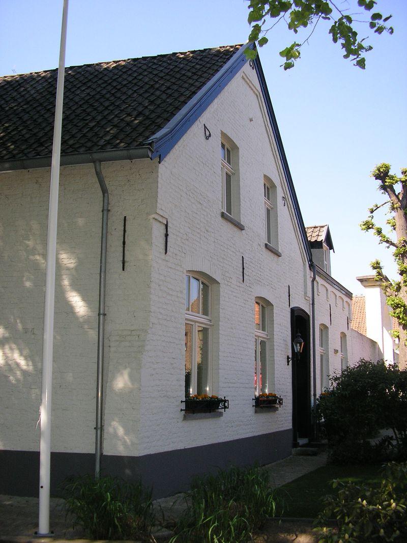 Hofstraat-Onder de bomen Thorn(1)